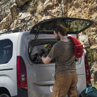 Opening-Rear-Window-Berlingo